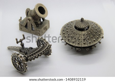Leonardo Da Vinci's Inventions - The Armored Tank, the Machine Gun and a cannon