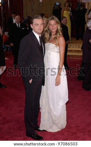 LEONARDO DICAPRIO & GISELE BUNDCHEN at the 77th Annual Academy Awards at the Kodak Theatre, Hollywood, CA February 27, 2005; Los Angeles, CA.  Paul Smith / Featureflash