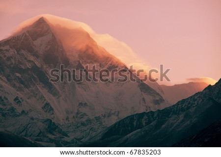 Lhotse peak at dusk