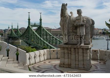 Liberty Bridge (Szabadság Híd) & Statue of Szent Istvan Király, Budapest, Hungary  Stock fotó ©