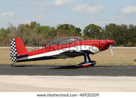 Light sports airplane used for aerobatic flying