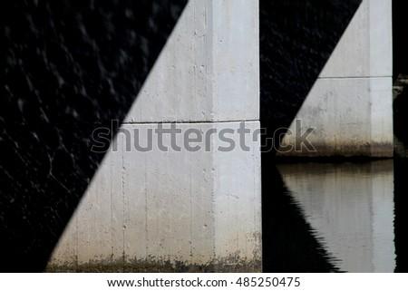 Light triangles on the bridge bottom. #485250475