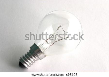 Lightbulb über einem weißen Hintergrund