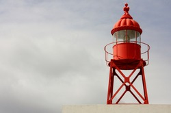 Lighthouses and the orientation at sea