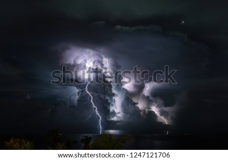 lightning at the sea