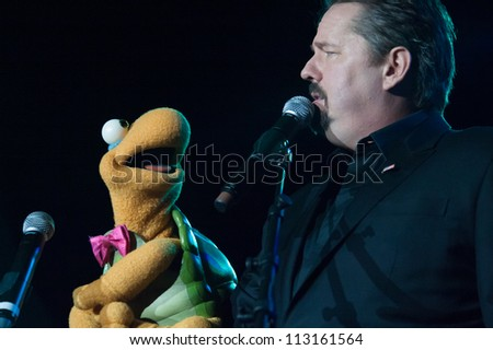 LINCOLN, CA - SEPT 15: AMG winner Terry Fator performs with Winston at Thunder Valley Casino Resort in Lincoln, California on September 15th, 2012