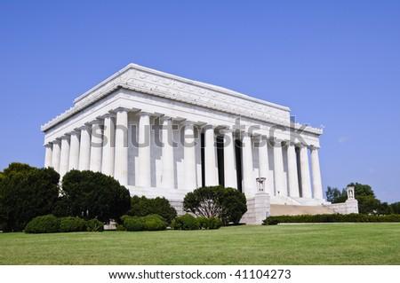 lincoln memorial in Washington DC against blue sky