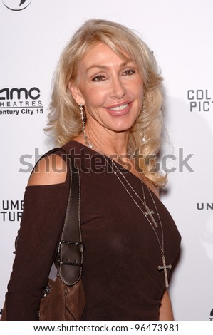 LINDA THOMPSON at the world premiere, in Los Angeles, of The Producers. December 12, 2005 Los Angeles, CA.  2005 Paul Smith / Featureflash