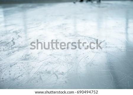 lines on empty ice ring