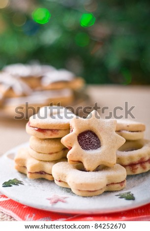 Linzer cookies with Christmas lights
