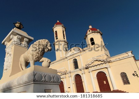 Lion and church of Cienfuegos