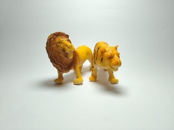 Lion and tiger plastic toy - miniature plastic toy animals