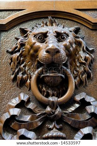 lion´s head door ornament