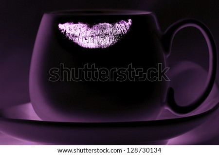 Lipstick track on the cup, reversed purple image
