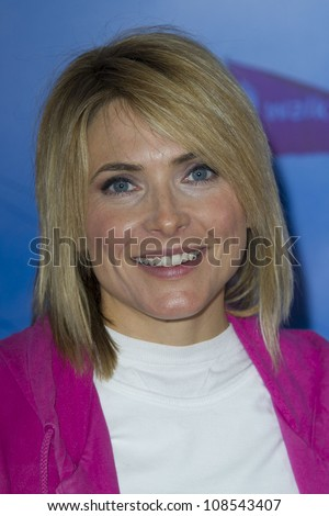 Lisa Rogers taking part in the '15th Annual Moonwalk' to raise funds for Breast - stock-photo-lisa-rogers-taking-part-in-the-th-annual-moonwalk-to-raise-funds-for-breast-cancer-research-108543407