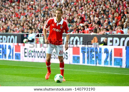 LISBON, PORTUGAL - MAY 19: Sport Lisboa e Benfica team VS Moreirense team in the last game for National league .SLB player Matic during the game.  Lisbon - Portugal, 19 May 2013