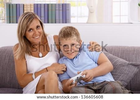 Маленький мальчик секс видео