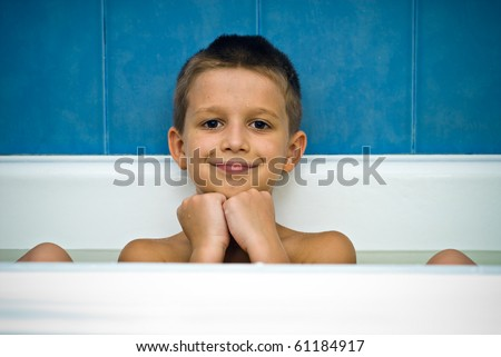 Little boy in the bath