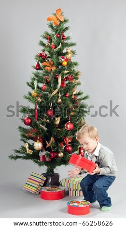 Little boy is looking for a gifts