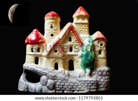 Little cute little trinket house