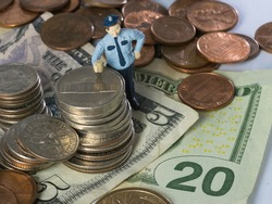 Little people art, a cop has seized a lot of money after a theft