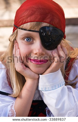 Little pirate girl