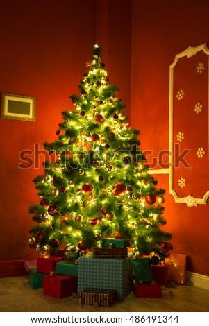 Living room with Christmas Tree #486491344