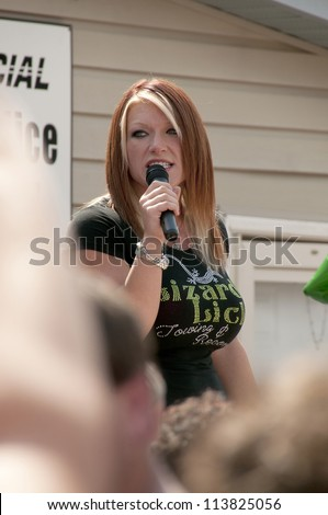 Amy on lizard lick nacked pic