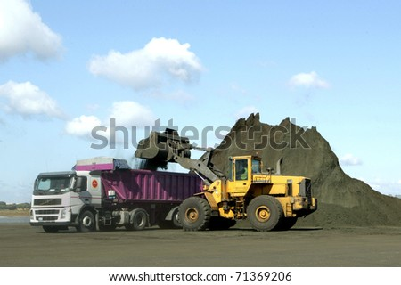 loading coal, in a port