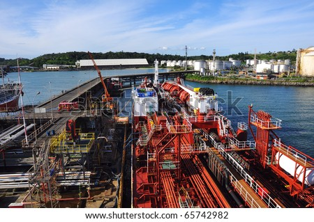 loading of chemical tanker