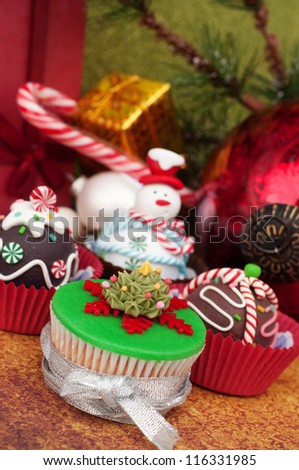 Loads of Christmas cupcakes