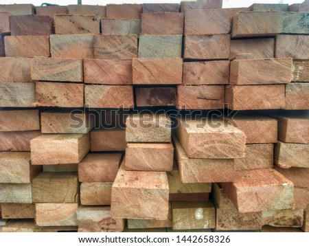 Log timber processing for construction.