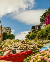 Lombard Street San Francisco curve turns road