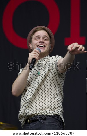 LONDON - AUG 19: Olly Murrs Performs at V Festival Chelmsford, AUG 19, 2012 in Chelmsford, UK
