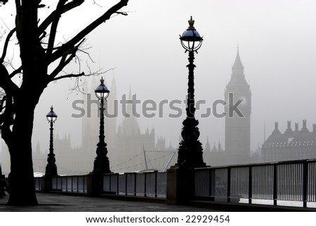 London, Big Ben & Houses of Parliament in fog