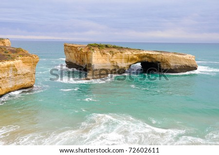 London bridge, famous rock formations  in Great Ocean Road, Australia.
