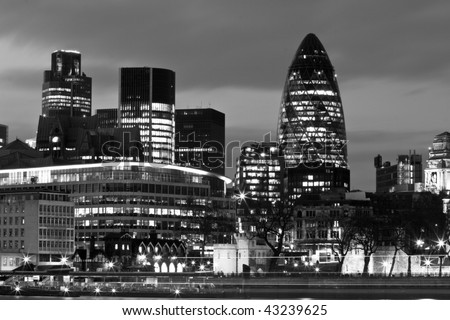 London, evening skyline in Black and White