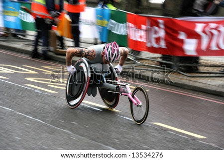 London Flora Marathon 2008. Wheelchair racing competition.