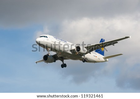 LONDON, HEATHROW, UK - OCTOBER 30: Airbus A320 operated by Lufthansa, one of the world's top five largest airlines on landing approach to London Heathrow Airport, UK on October 30, 2012