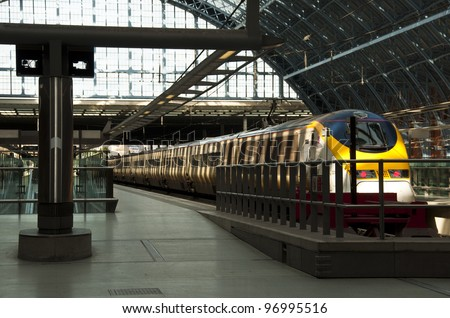 LONDON - MARCH 5: Eurostar train at St Pancras station on March 5, 2012 in London. Traffic between London and Paris was disrupted by wiring problems in France.