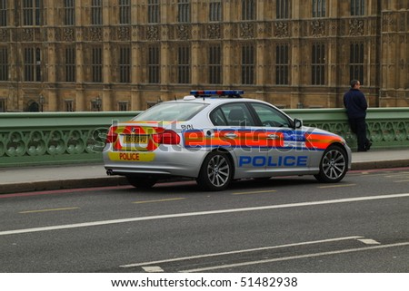 LONDON - NOVEMBER 11: A person has made an attempt to jump from Westminster bridge in central London. Police and fire crews where at the scene. November 11, 2009 in London, United Kingdom