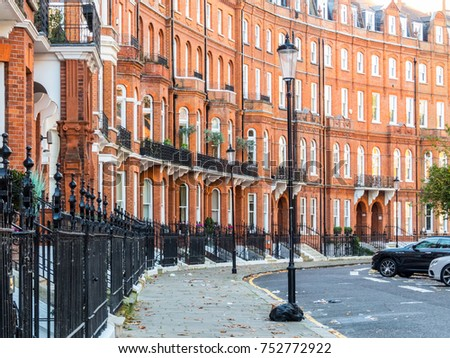 London , November 2017. A view of Lennox Gardens which is located in Knightsbridge.  #752772922