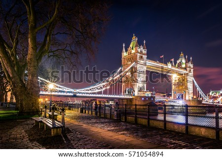 London's icon view of Tower Bridge at night #571054894