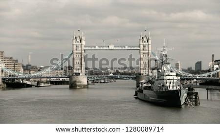 London sightseeing tour #1280089714