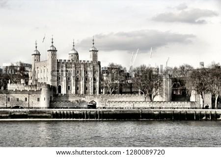 London sightseeing tour #1280089720