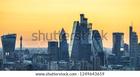 London skyline at incredible sunset