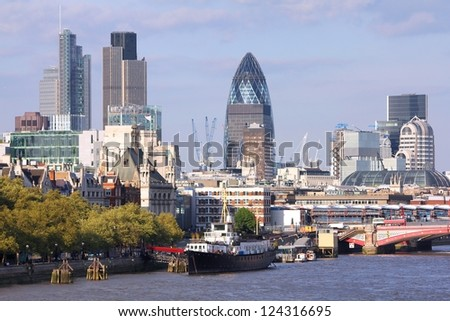 London skyline, United Kingdom - cityscape with modern buildings