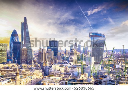 London sunset, view on business modern district. #526838665