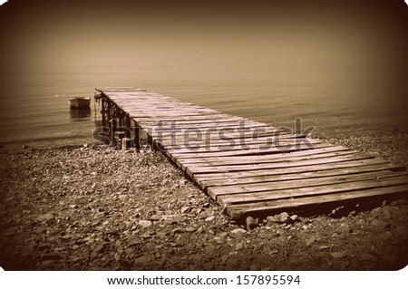 Lonely Boat, Vintage Feeling