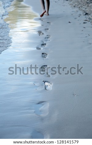 Lonely footmark on thel beach